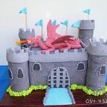עוגת דרקון , עוגת טירה , עוגות מעוצבות, עוגות מעוצבות לבנים , עוגות מעוצבות דנה'לה