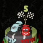 עוגות לבנים, עוגות יום הולדת