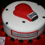 עוגת כפפת איגרוף , עוגות לבנים , עוגות מעוצבות לבנים , עוגות מעוצבות בהתאמה אישית , עוגות מעוצבות , עוגה מעוצבת בהתאמה אישית , עוגות מעוצבות ליום הולדת , עוגה מעוצבת ליום הולדת , דנהלה עוגות מעוצבות , עוגות מבצק סוכר , עוגות מעוצבות מבצק סוכר , עוגות מעוצבות לאירועים