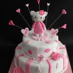 עוגת הלו קיטי שתי קומות שירה