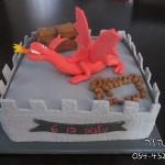 עוגות לבנים , עוגות מעוצבות לבנים , עוגות יום הולדת לבנים , עוגת דרקון, עוגות מעוצבות