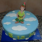 עוגות לבנים , עוגות מעוצבות לבנים , עוגת פיטר פן , עוגת פיטר פן מעוצבת , עוגות מעוצבות